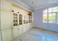 A178 bán nhà Quận 1 Nguyễn Trãi giá 40 tỷ Ngang 4,8m 5 tầng BTCT vị trí đẹp căn, 0793458011 Mr VI