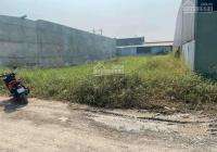 Bán gấp lô đất 125m2 sát bên chợ Đức Hòa, đường nhựa lớn, gần khu công nghiệp Đức Hòa. Giá 1.2 tỷ