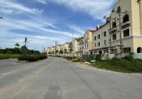 Chính chủ cần bán biệt thự 300m2, 2 mặt đường, trước nhà 35m, đường sau view vườn hoa LH 0968621669
