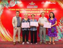 Việt Hưng Phát trao sổ hồng cho khách mua dự án Boulevard Bà Rịa - Vũng Tàu