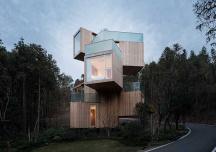 Khám phá khách sạn bằng gỗ ẩn mình giữa rừng cây