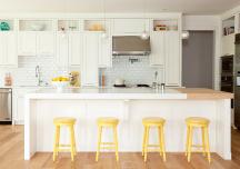Mang nắng vào nhà với gam màu vàng tươi
