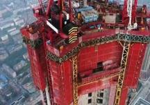 Cỗ máy giúp xây dựng những tòa nhà chọc trời của Trung Quốc