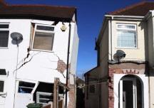 Bồi thường thế nào khi bị hàng xóm làm nứt tường nhà?