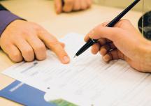 Điều chỉnh giá hợp đồng xây dựng căn cứ theo quy định nào?