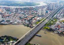 """Trung tâm mua sắm """"mọc lên như nấm"""" ở ngoại ô Sài Gòn"""