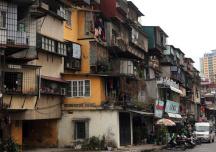 """Hà Nội: Kiến nghị điều chỉnh Luật nhằm """"gỡ vướng"""" cải tạo chung cư cũ"""