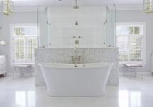 Phòng tắm dù lớn hay nhỏ cũng nên có một chiếc bồn tắm
