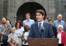 Thủ tướng Canada hứa đánh thuế người nước ngoài đầu cơ nhà đất nếu tái đắc cử
