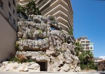 Độc đáo căn biệt thự trong lòng đá ở Monaco