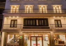 """""""Ngấm đòn"""" Covid-19, hàng loạt khách sạn buộc phải sang nhượng giá rẻ"""