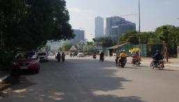 Bán nhà mặt phố Lạc Long Quân, DT 88m2, MT 5.2m, kinh doanh khủng, giá 24 tỷ. LH: 0832.108.756