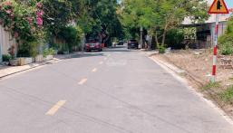 Bán nhà đất nhà cấp 4 mặt tiền đường Lê Văn Huân rộng 13m