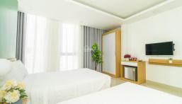 Bán khách sạn 2 sao mới keng trung tâm TP Nha Trang, giá cực rẻ. LH 0977681668