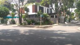Nhu cầu đổi nhà to hơn gia đình tôi cần bán biệt thự Phú Mỹ Hưng quận 7, nhà mới đẹp lung linh
