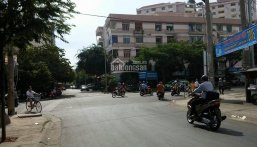 Bán nhà 4 tầng đường Khánh Hội. DT: 6 x 13m (Nở hậu 6.6m)