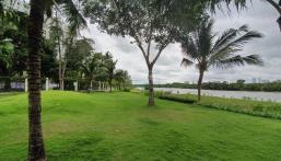 Giá rẻ bất ngờ bán căn Riverside Block A view sông diện tích lớn, lầu cao. Liên hệ: 0946956116