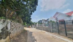 Cần bán 2300m2 khuôn viên nhà cấp 4 tại thị trấn Ba Hàng Đồi, Lạc Thủy