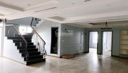 Cho thuê căn hộ Penhouse 320m2 tòa Sông Hồng Park View 165 Thái Hà có sẵn nội thất(ảnh thực tế)