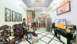 Nhà đẹp Phạm Văn Đồng 36m2x5T, ô tô đổ cổng, 3 thoáng, full nội thất giá chỉ 2.65 tỷ. LH 0931107456