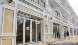 Bán nhà mặt tiền 3 tầng xây mới chợ Bình Triệu đối diện trường ĐH Luật, có gara ô tô