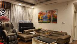 Bán gấp căn hộ 3 phòng ngủ sáng tòa R5, 132m2 Royal City, giá 5,4 tỷ