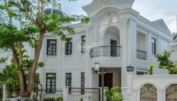 Nhà chính chủ kẹt tiền bán lỗ chưa qua đầu tư, biệt thự Phú Mỹ Hưng mặt tiền đường mua về ở ngay