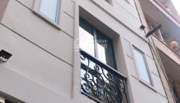 Nhà 3 lầu có 8 phòng cho thuê, đường Trường Sa, P14, Quận 3, giá 4.95 tỷ. Chính chủ