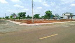 Bán 800m2 đất 3 mặt tiền sát UBND - Chợ; Đường rộng 20m phù hợp xây nhà trọ - làm kho - xưởng