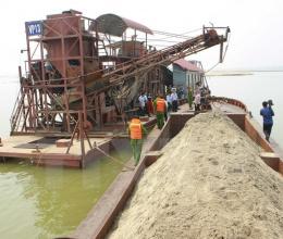 Tăng cường quản lý hoạt động khai thác, kinh doanh cát xây dựng