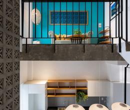 Ngắm ngôi nhà nhỏ với điểm nhấn xanh dương cực ấn tượng