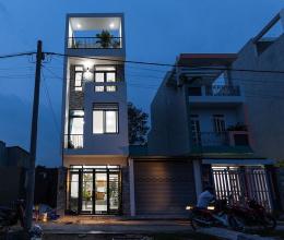 Nhà phố 4 tầng đẹp miễn chê với chi phí chưa tới 900 triệu đồng