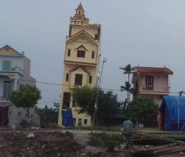 Vì sao ngôi nhà ở Hà Nam vừa xây xong đã nghiêng mạnh