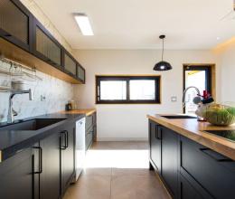 Những điều cần biết khi thiết kế tủ bếp song song