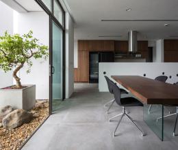 Biệt thự trên không được gộp từ hai căn hộ ở Hà Nội