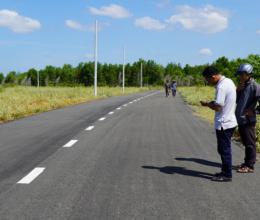 Làm đường nhựa trên đất nông nghiệp để bán nền