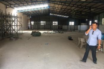 Cho thuê gấp nhà xưởng phường An Phú Đông, Quận 12, DT: 800m2, giá 25 tr/tháng. LH: 0944.977.229