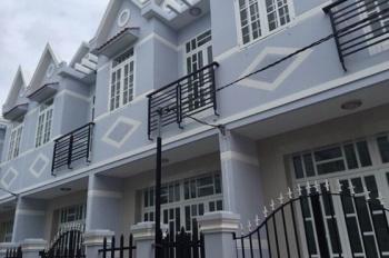 Nhà ở Hương Lộ 11, SH riêng, 1 trệt 1 lầu đúc, giá 500 - 700 triệu/căn (0936944878)