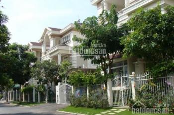 Cho thuê biệt thự tại Phú Mỹ Hưng khu vip DT 200m2 nhà đẹp giá rẻ triệu/th, call 0977771919
