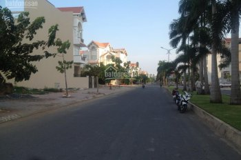 Cho thuê nhà MT đường D4 KDC Him Lam Kênh Tẻ, Quận 7. DT 5x20m, giá 75tr/th, LH 0938358958