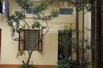 Chính chủ cho thuê căn hộ khép kín diện tích 25m2, gần đường Hoàng Quốc Việt giá 3tr/th