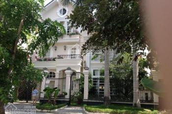 Bán gấp biệt thự vườn Phú Mỹ Hưng, trung tâm Phú Mỹ Hưng, giá 17.3 tỷ sổ hồng. Call 0977771919