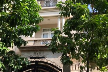 Bán biệt thự Đường Phạm Văn Đồng Thủ Đức nội thất cao cấp Châu Âu -chính chủ bán gấp 0908 81 28 15