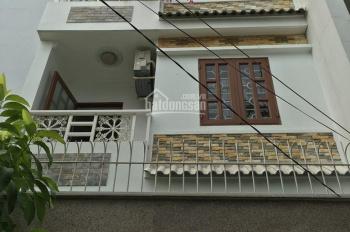 Bán nhà phố 2 lầu, sân thượng, đường rộng 9m, giá 5,5 tỷ, quận 2. LH: 0902126677