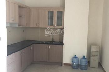 Cho thuê phòng master 28m2 có toilet riêng, giá 3tr5/tháng. Liên hệ 0906339038 Trâm