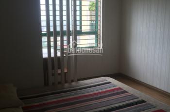 Cho thuê chung cư Kinh Đô 93 Lò Đúc, 100m2 tầng cao 2 ngủ đủ đồ giá 15tr/th