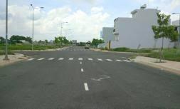Cần bán đất mặt tiền đường 60m cách Lotte Q7 3km, liền kề Phú Mỹ Hưng, DT 80m2, giá 2,5 tỷ/nền