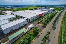 Cần bán kho xưởng trong khu công nghiệp Tp.HCM DT từ 3000m2 đến 20.000m2. LH 0933781138