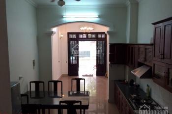 Cho thuê nhà riêng 55m2 x 4 tầng, đủ đồ, phố Hàng Chuối, Hàn Thuyên