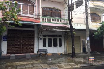 Cho thuê cửa hàng tầng 1 nhà số 12A Lý Tự Trọng, Phường 7, TP Tuy Hòa. LH: 0982454328